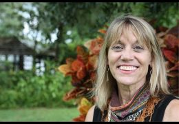How We Thrive: Mama Gold Tone